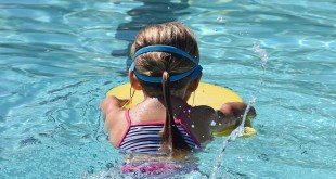 young-swimmer-2494904_1280